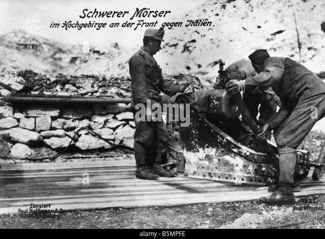 9 1915 0 0 A3 1 Isonzo Battles Austrian artillery 1915 World War I Italian Front Isonzo Battles 1915 17 A heavy - Stock Image