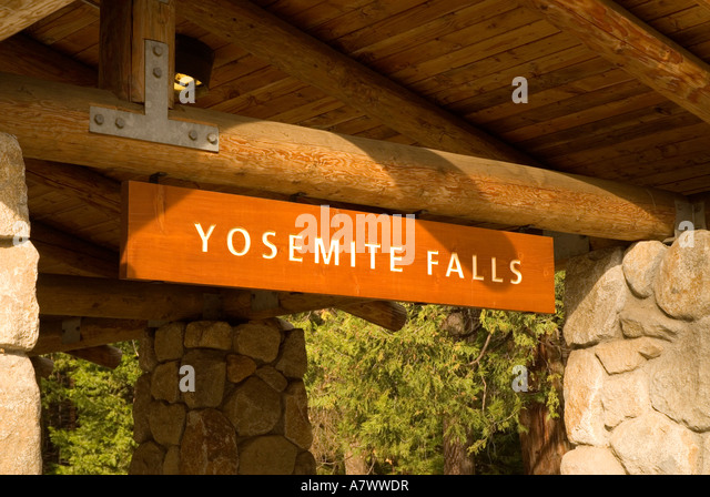 Yosemite Falls sign at bus stop - Stock Image