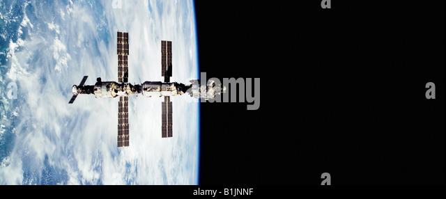 International Space Station orbiting the Earth - Stock-Bilder
