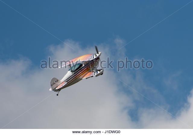 Biplane Christen Eagle II registration G-GULZ performing aerobatics at Stoke Golding airfield - Stock-Bilder