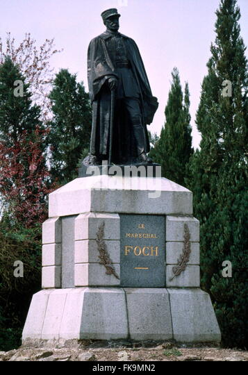 AJAXNETPHOTO. BOUCHAVESNES-BERGEN, FRANCE. - FOCH MEMORIAL - STATUE OF FRENCH WORLD WAR ONE ARMY COMMANDER MARECHAL - Stock Image