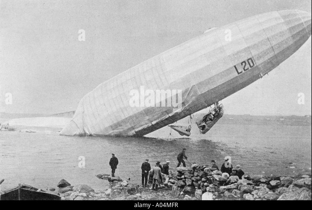 Crashed Zeppelin in Norway from L Illustration magazine 1916 - Stock Image