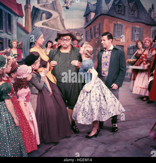 Jack E. Leonard, Jo Sullivan, and Dennis Day in Babes in Toyland. - Stock Image