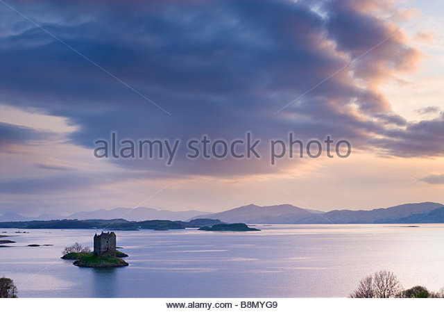 Castle Stalker on the shores of Loch Laich, near Oban, Scotland, UK. - Stock-Bilder