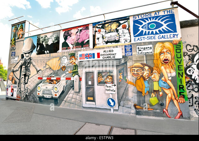 Germany, Berlin: Recreated wall paintings of the Berlin Wall at  the Store of East Side Gallery - Stock-Bilder