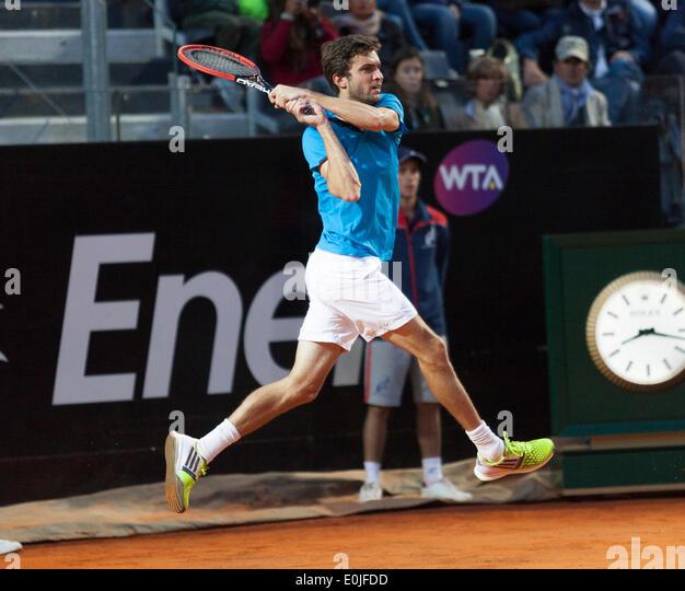 Gilles Simon playing Rafael Nadal at the ATP Tennis international tournament in Rome 2014 - Stock Image