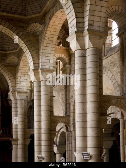 Poitiers, Saint-Hilaire, Gewölbesystem an der Nordseite des Langhauses - Stock-Bilder