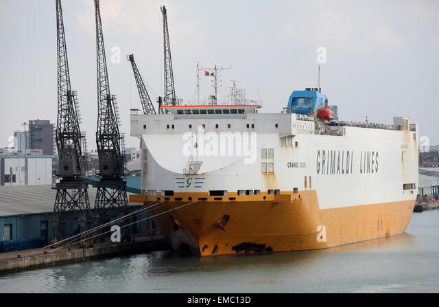 Grande Europa Grimaldi Lines car transporter Southampton Docks - Stock Image