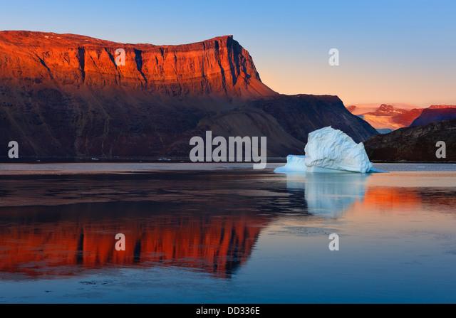 Sunrise in the Røde Fjord, Scoresby sund, Greenland - Stock Image