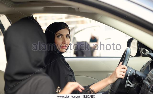 united arab emirates dubai women travellers