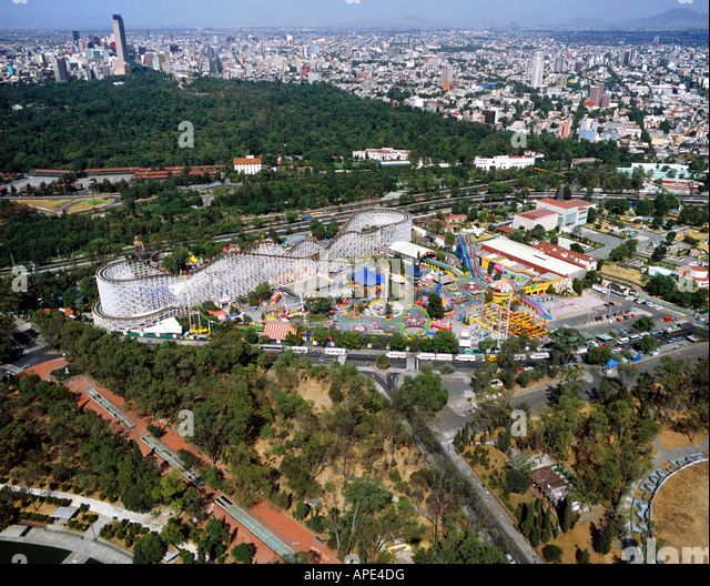 aerial above La Feria, Mexico City in Chapultepec Park an amusement park and the Technological Museum - Stock Image