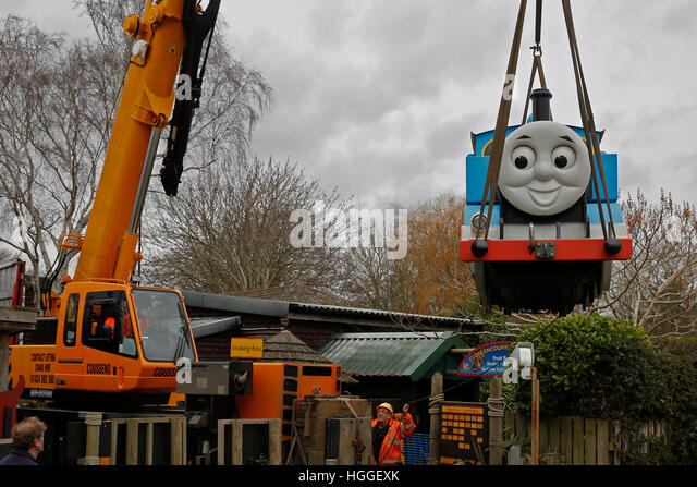 Eastbourne, UK. 9th January, 2017. Thomas the Tank Engine is lifted into the air by crane for his final journey - Stock Image