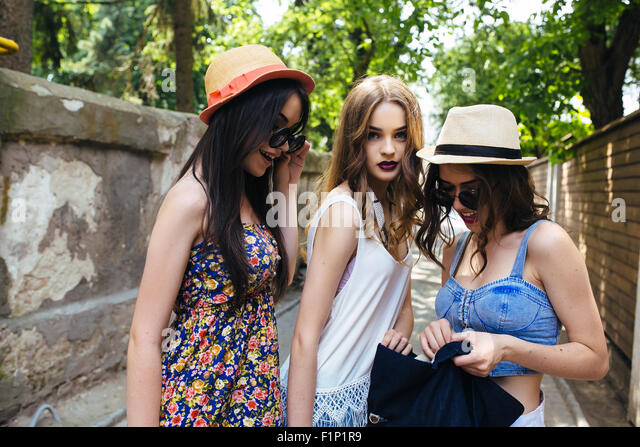 beautiful girls in the city - Stock-Bilder