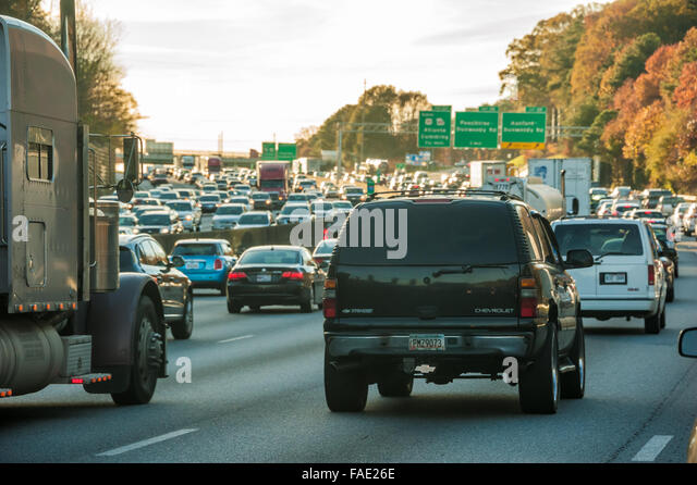 Accident Clogs Traffic For Hours On I 285 I 20 In Dekalb