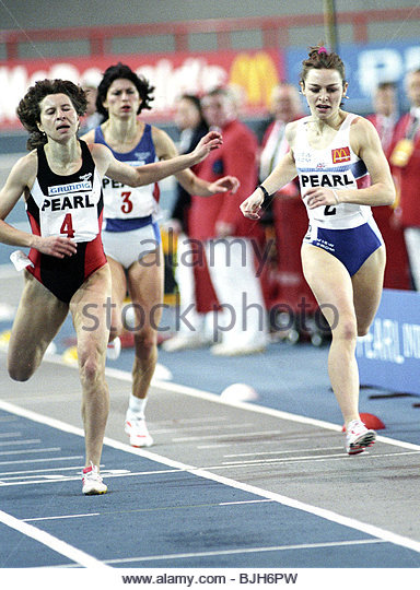 29/01/93 PEARL INTERNATIONAL ATHLETICS KELVIN HALL - GLASGOW Great Britain's Melanie Neef (right) in action - Stock Image