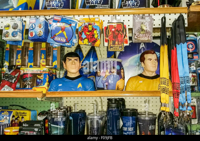 Nostalgic souvenirs including old time super hero lunch boxes and StarTrek memorabilia sold at Dick's 5 & - Stock Image