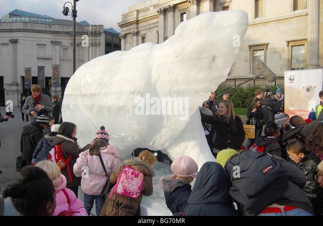 The London Ice Bear ice shelf sun hot 'Global Warming' - Stock Image