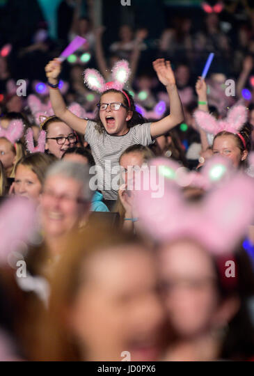 TARTAN GIG 2017 – Girlguiding concert at the SSE Hydro, Glasgow - Stock Image
