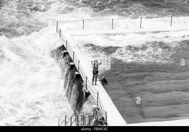 Breaking Wave Black And White Stock Photos Images Alamy