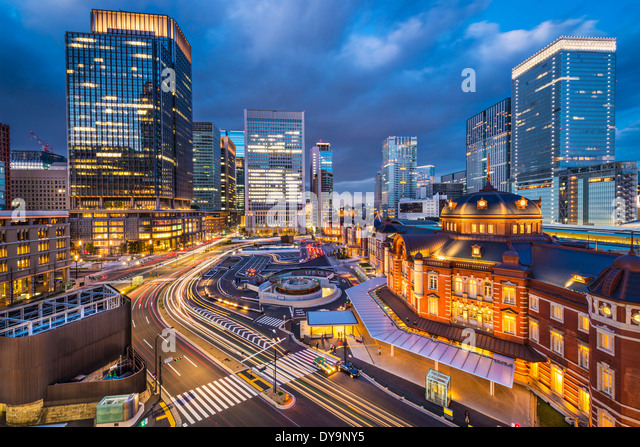 Tokyo, Japan at the Marunouchi business district and Tokyo Station. - Stock-Bilder