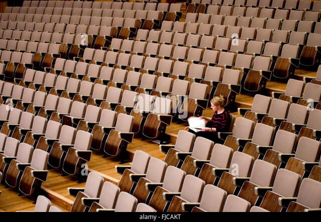 Single hall seat Γεμιστο καλαμαρι αργυρω