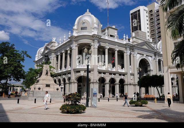 Ecuador Palacio Municipal City Hall Guayaquil city Building square people - Stock-Bilder