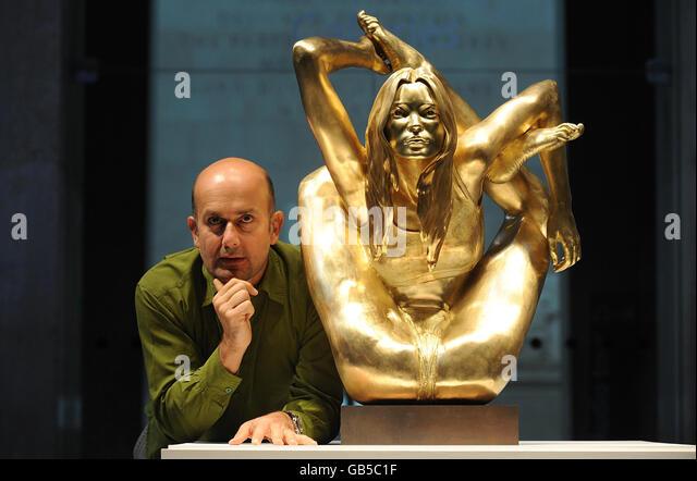 British Artist Marc Quinn Stock Photos & British Artist ...