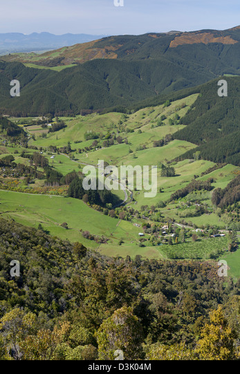 Hawkes lookout over the valley in Takaka hills, New Zealand - Stock Image