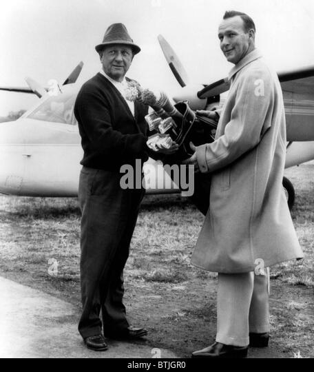 Arnold Palmer (right), American golfer, and his father, M.J. Palmer (left), Latrobe Pennsylvania, November 16, 1963. - Stock Image