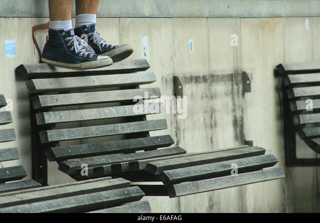 youth culture,bench,sneaker - Stock-Bilder