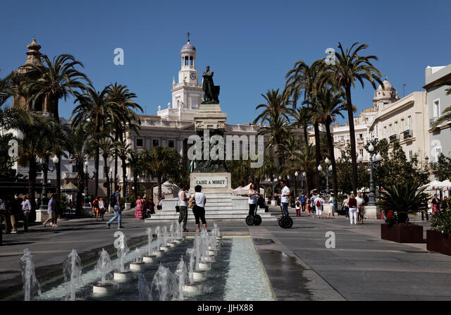 Plaza San Juan de Dios with the Ayuntamiento [Town Hall], Cadiz, Andalusia, Spain - Stock Image