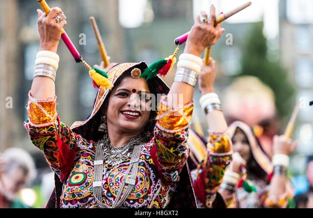 Edinburgh, UK. 13th Nov, 2016. The Edinburgh Diwali celebration culminates in a procession from the City Chambers - Stock Image