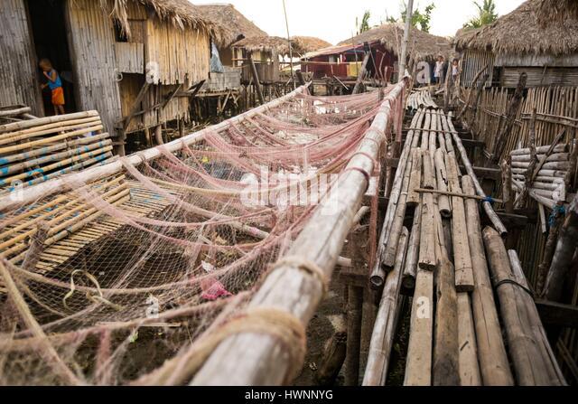 Philippines, Luzon, Sorsogon Province, Donsol, traditional fisherman village above water - Stock-Bilder