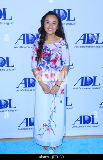 Anti-Defamation League entertainment industry dinner honoring Bill Prady - Arrivals  Featuring: Guest Where: Beverly - Stock-Bilder