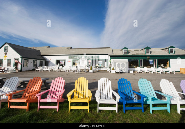 USA, Massachussets, Cape Cod, colourful deck chairs - Stock-Bilder