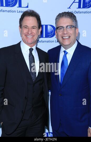 Anti-Defamation League entertainment industry dinner honoring Bill Prady - Arrivals  Featuring: Ken Solomon, Bill - Stock-Bilder