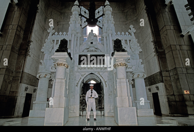 Dominican Republic Santo Domingo  Faro a Colon Columbus Lighthouse guard at crypt - Stock Image