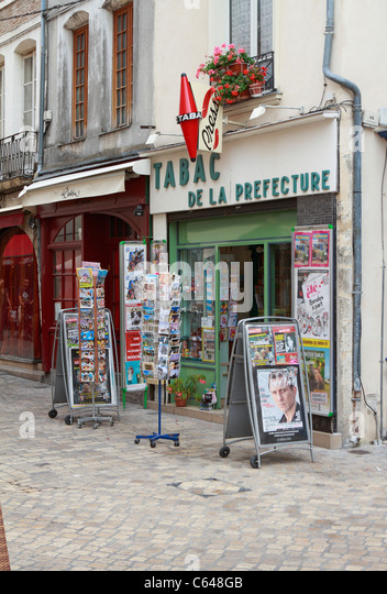 Tabac stock photos tabac stock images alamy for Orleans loiret