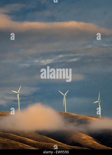 Windmills near the Columbia River Gorge, Oregon - Stock Image
