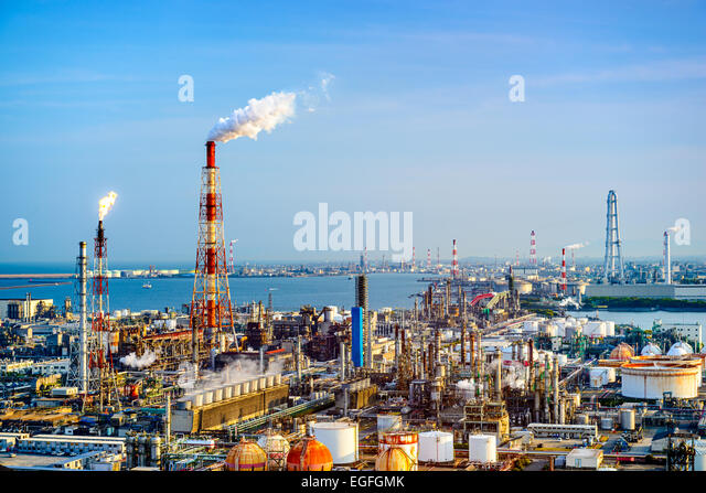 Factories in Yokkaichi, Japan. - Stock Image