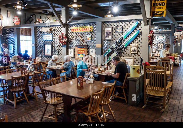Port Charlotte Florida Cracker Barrel Old Country Store restaurant interior tables - Stock Image
