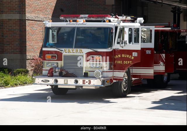 A fire truck sits on the apron of the Van Buren firehouse  in Van Buren, Michigan - Stock-Bilder