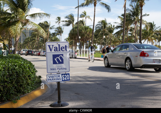 valet parking sign on ocean drive miami south beach florida usa - Stock Image