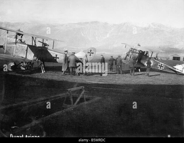 9 1917 11 13 A1 1 E German air troops in Aviano 1917 First World War 1914 1918 German and Austrian relief attack - Stock-Bilder