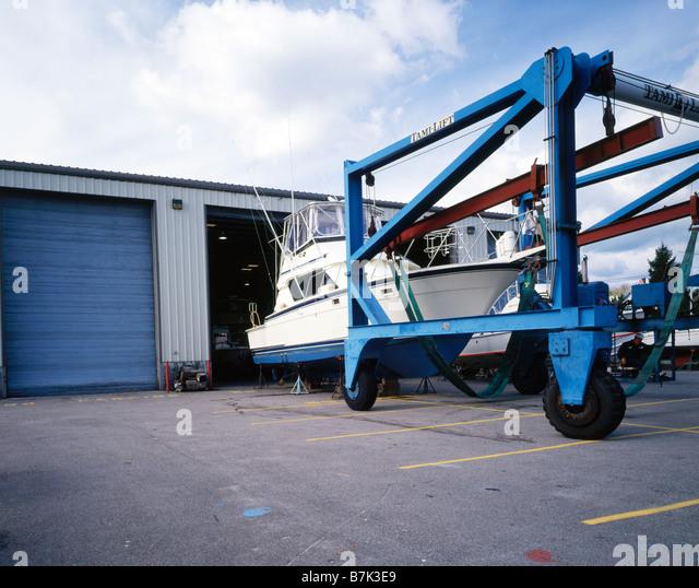 Lifting slings stock photos lifting slings stock images for Boat lift motors near me