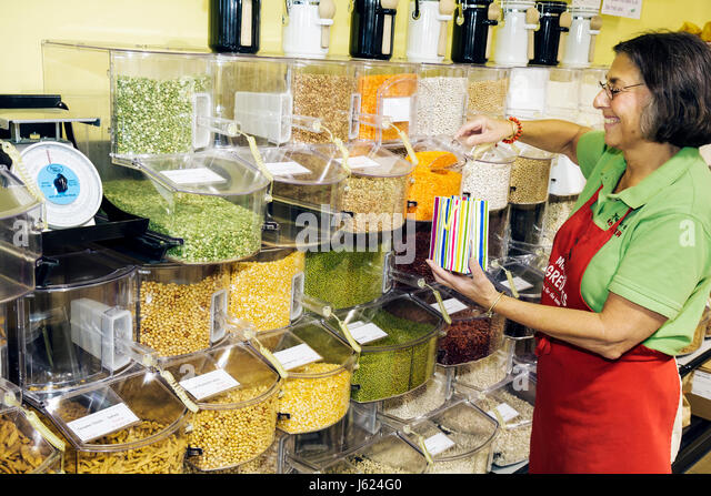 Indiana Chesterton Molly Bea's Ingredients shop food nutrition cooking baking grains peas beans nuts bulk bins - Stock Image