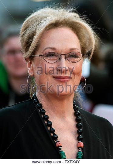 epa05255959 US actress and cast member Meryl Streep poses on the red carpet at the world film premiere of 'Florence - Stock Image