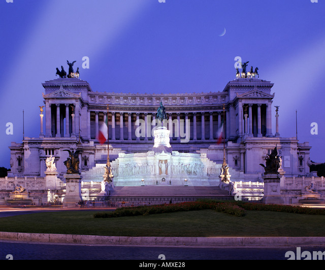 IT - ROME: Vittorio Emanuele II Monument by night - Stock Image