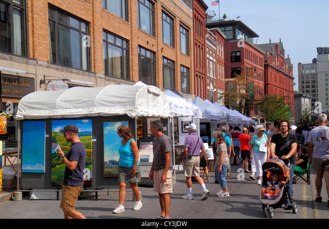 Portland Maine Congress Street WCSH 6 Sidewalk Art Festival artists vendors shopping historic buildings - Stock Image