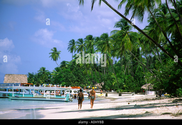 Tobago Pigeon Point caribbean sea beach palm trees - Stock Image